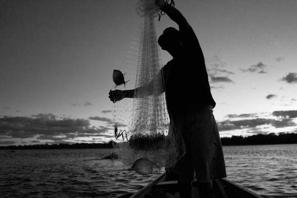 pescador-em-pau-preto-600x400