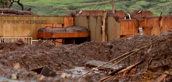 Crianças afetadasno desastre de Mariana (MG) devem ter prioridade