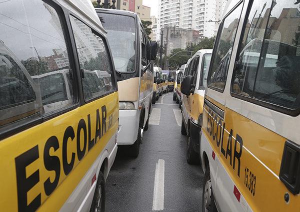 Ministério Público de São Paulo e Alana lançam cartilha sobre transporte escolar