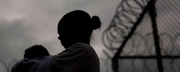 Gestantes e mães seguem internadas provisoriamente contrariando decisão judicial