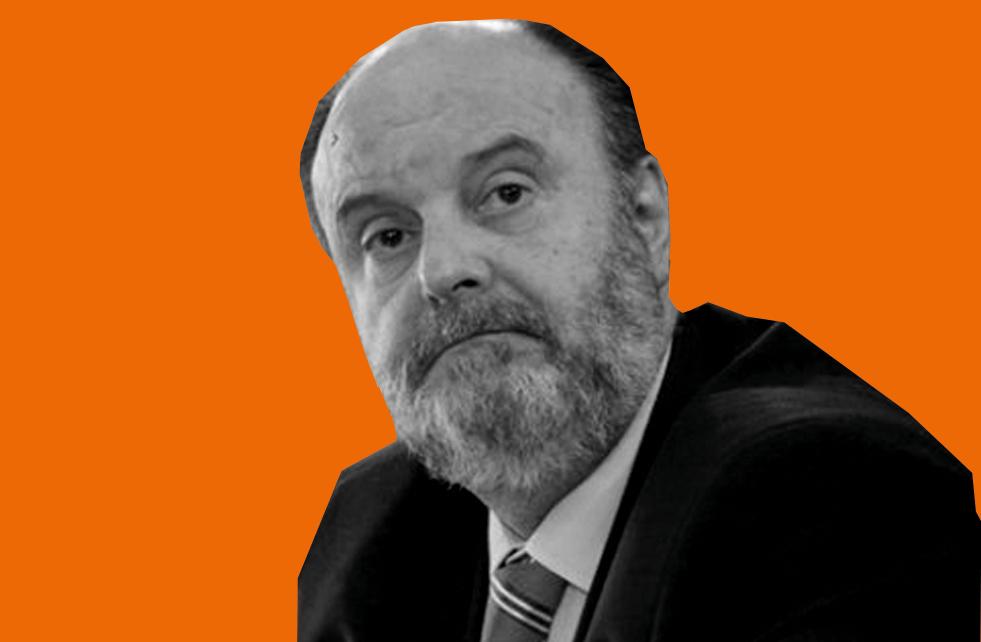 Foto de Antônio Carlos Malheiros sobre fundo laranja